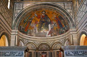Il mosaico duecentesco che sovrasta l'abside.