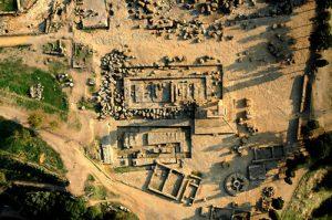 Veduta dall'alto di un sito archeologico